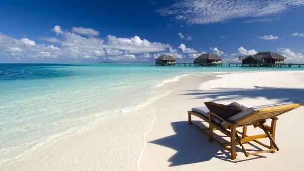 Los mejores consejos para que viajes segura y con estilo este verano
